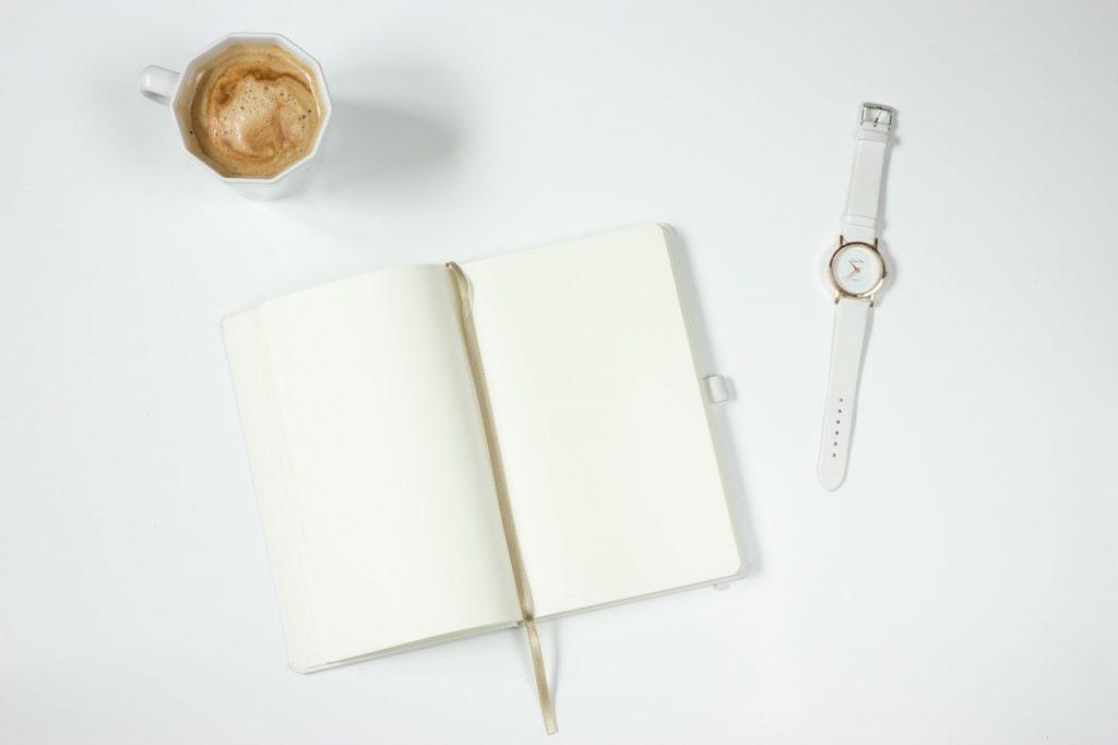 café, ordinateur portable, montre